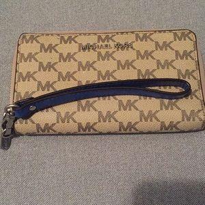 Michael Kors Phone Wristlet Organizer Wallet